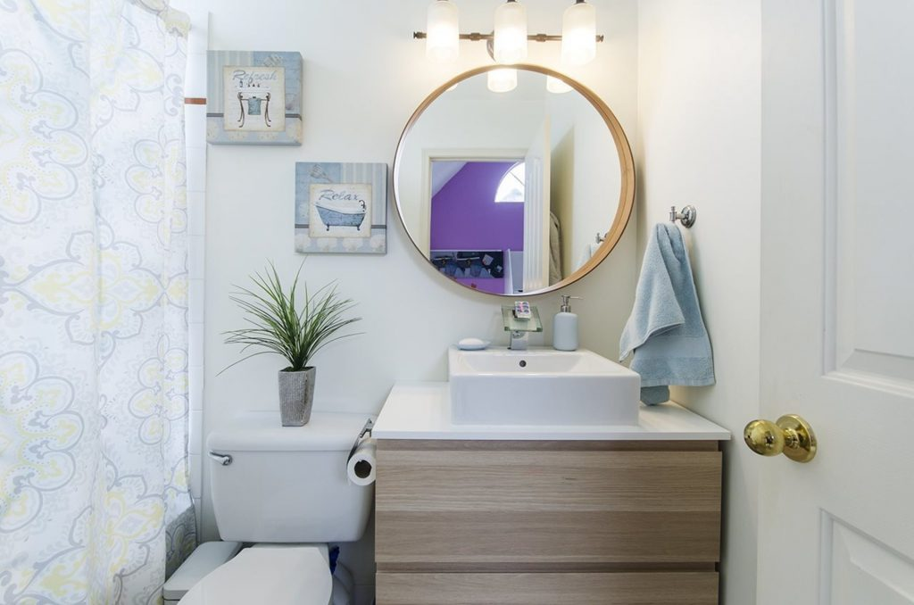 Central Lonsdale Townhome Bathroom