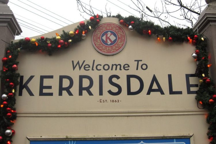 Kerrisdale Sign Christmas