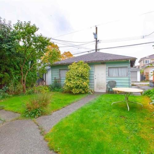 013 at 3092 E. 5th Avenue, Renfrew VE, Vancouver East