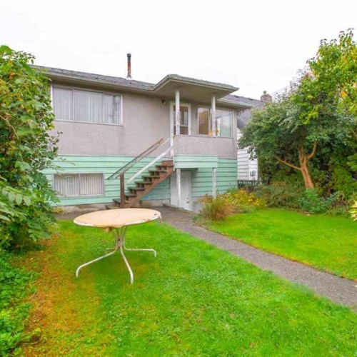 014 at 3092 E. 5th Avenue, Renfrew VE, Vancouver East