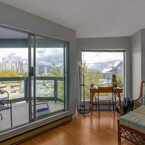 13d55ff693887419a403a134abfbde0d60cb7975 at 307 - 1355 W 4th Avenue, False Creek, Vancouver West